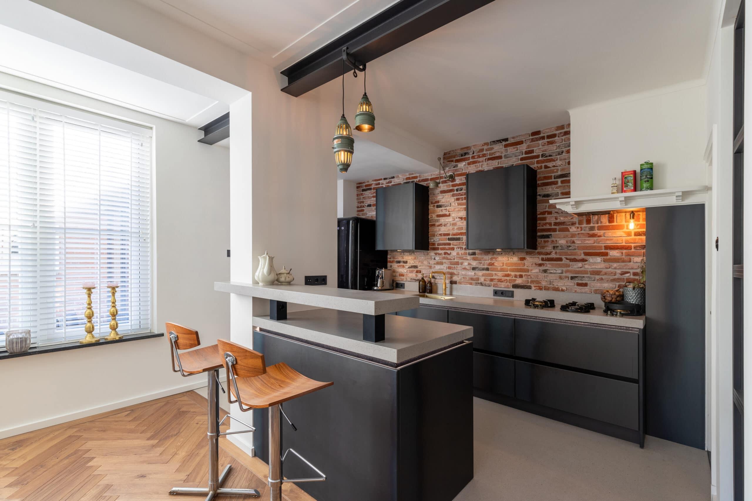 Keuken in warmgewalst blauwstaal Den Bosch